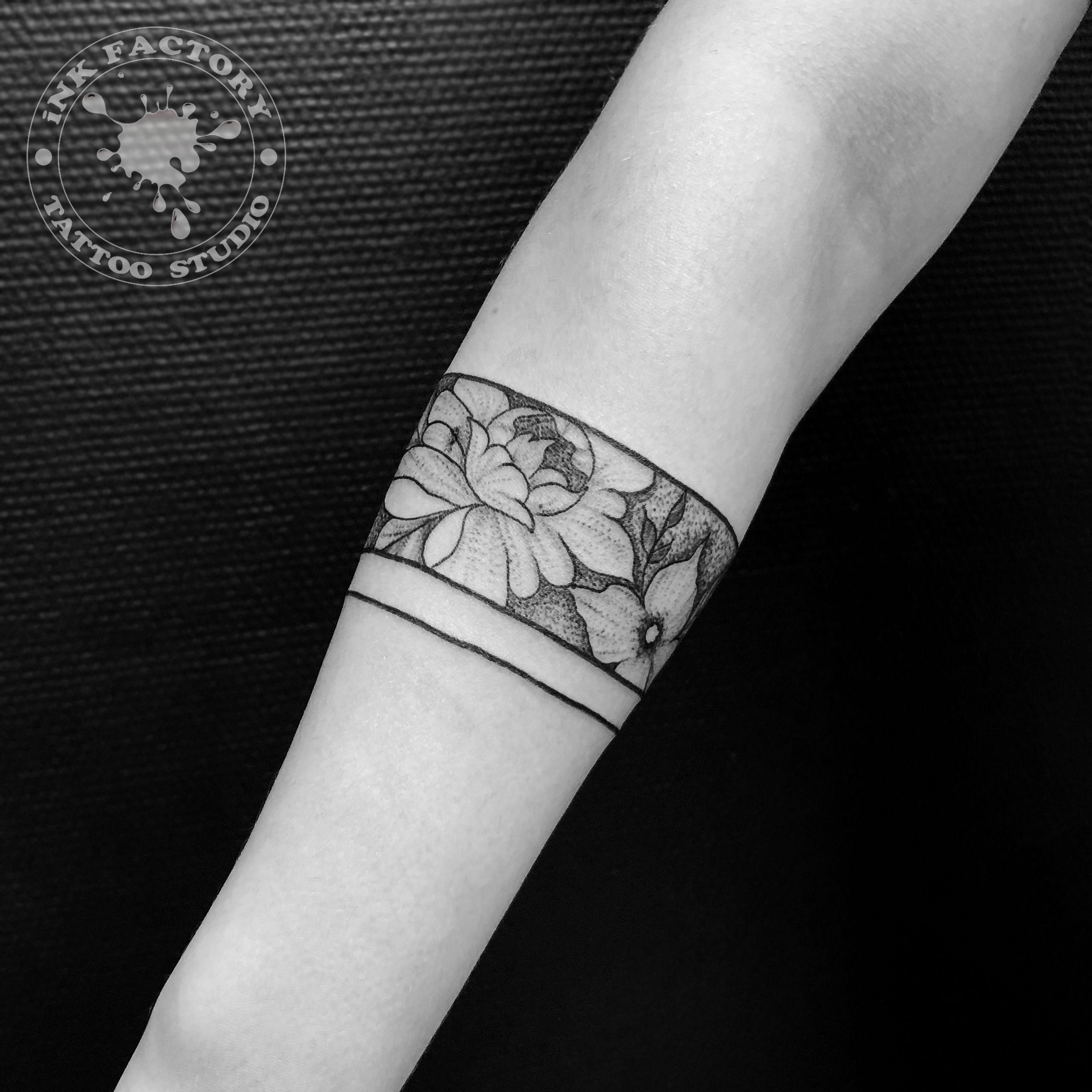 фото тату Татуировка руны выбитые в камне 667