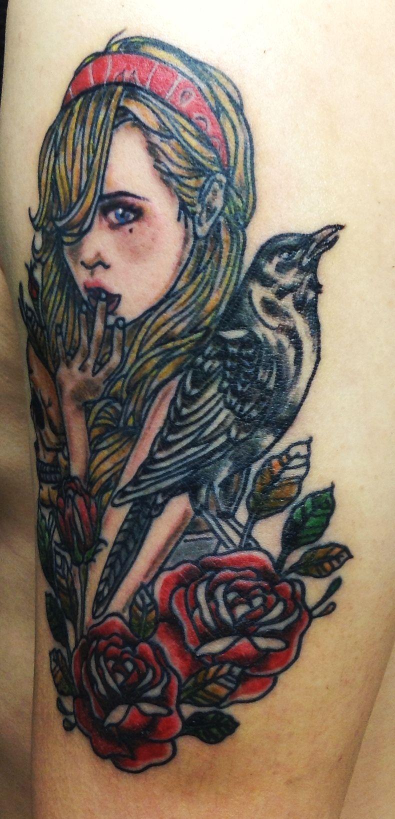 Девушка и ворон