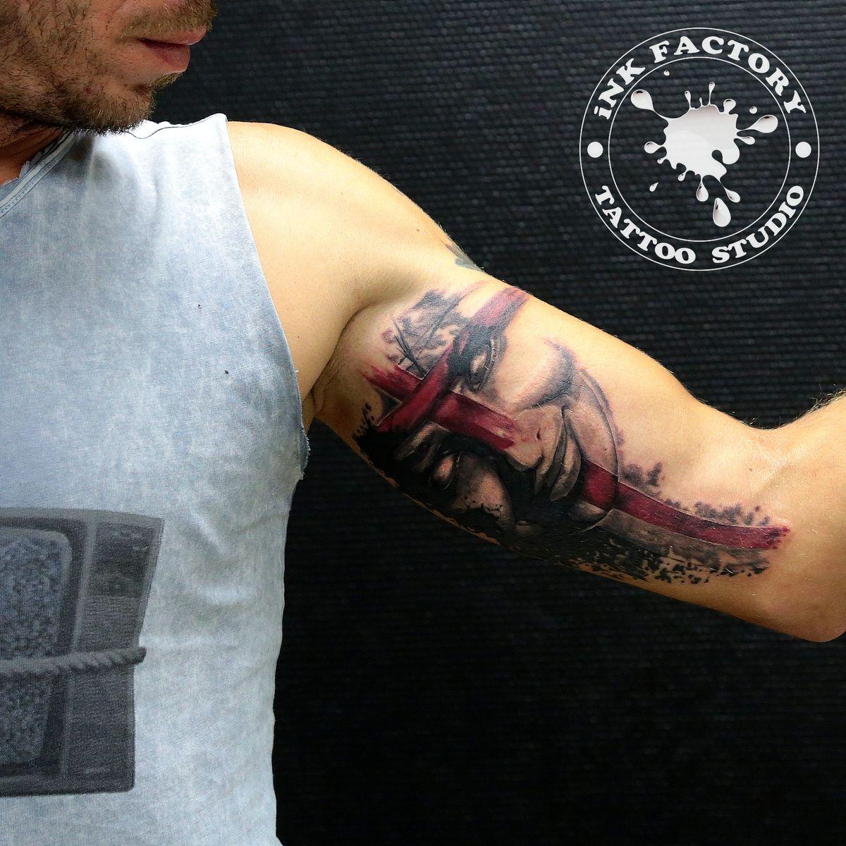 фото тату Татуировка руны выбитые в камне 319