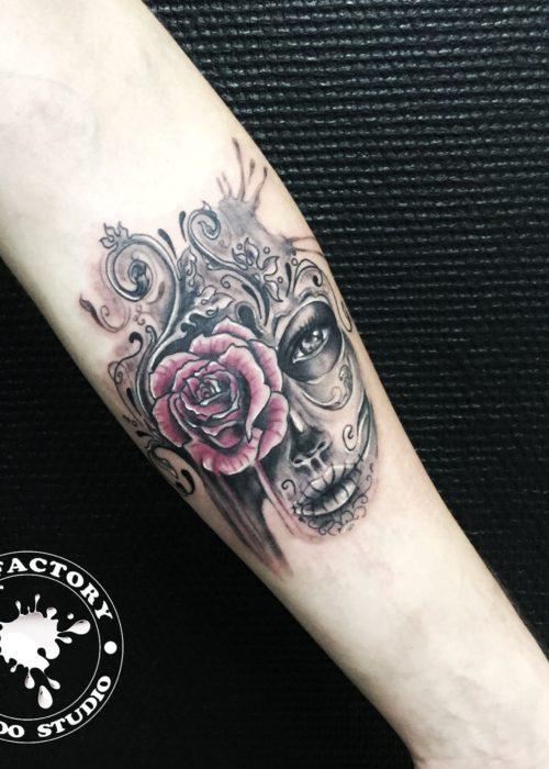 фото тату Девушка с розой