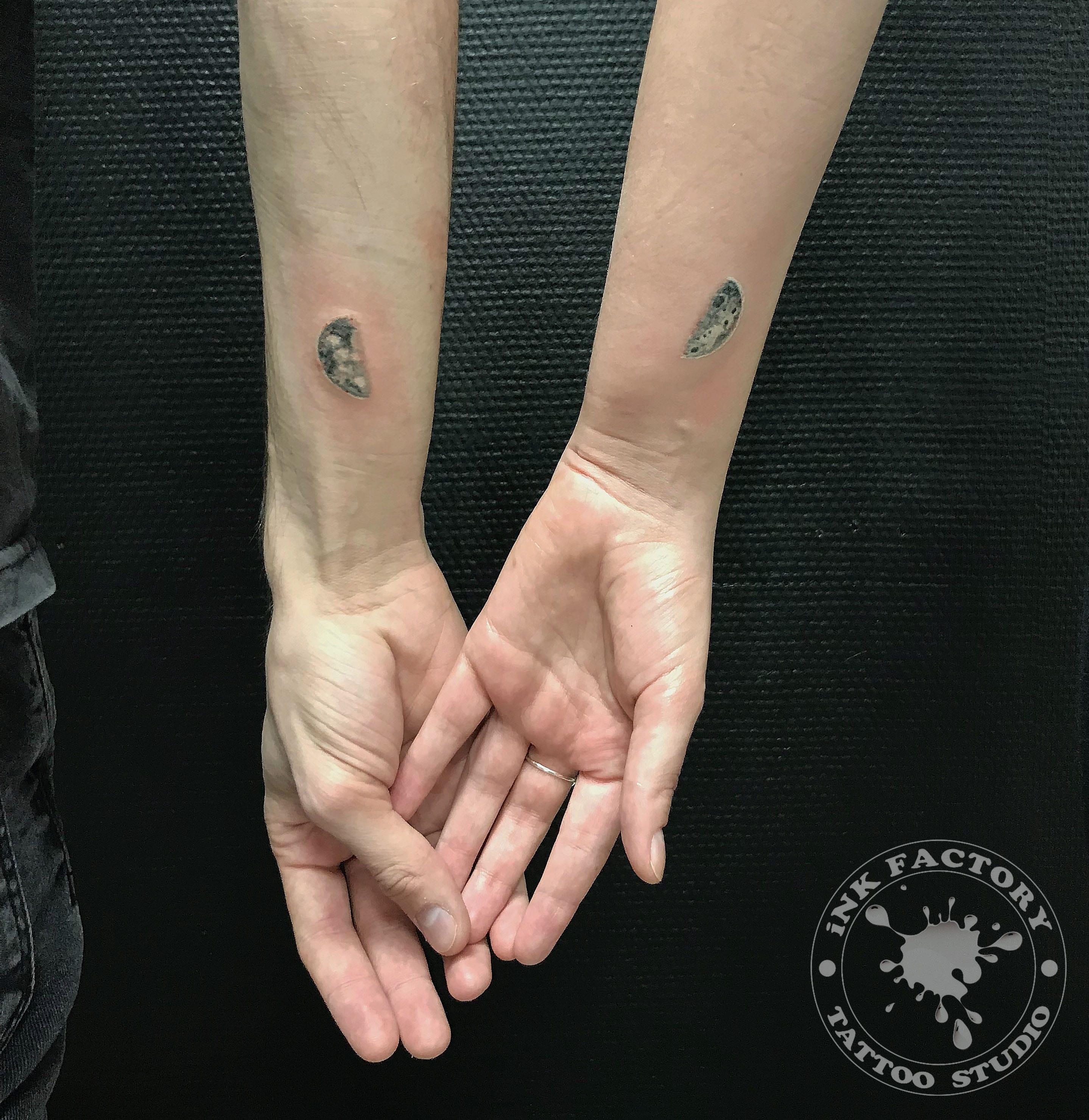 фото тату Татуировка руны выбитые в камне 489
