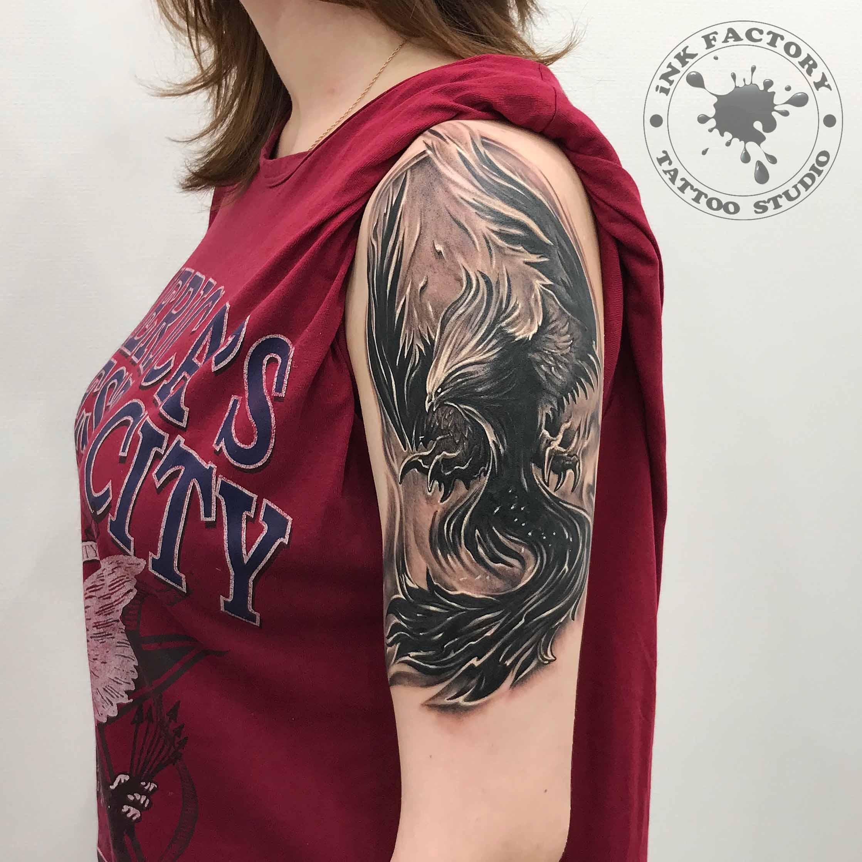 Феникс на плече