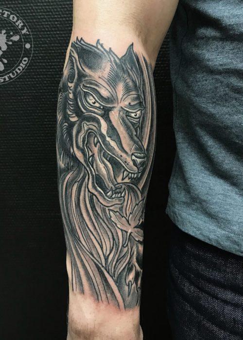 фото тату Грозный волк