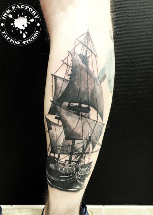 фото тату Корабль на икре
