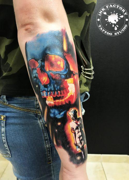 фото тату Огненный череп
