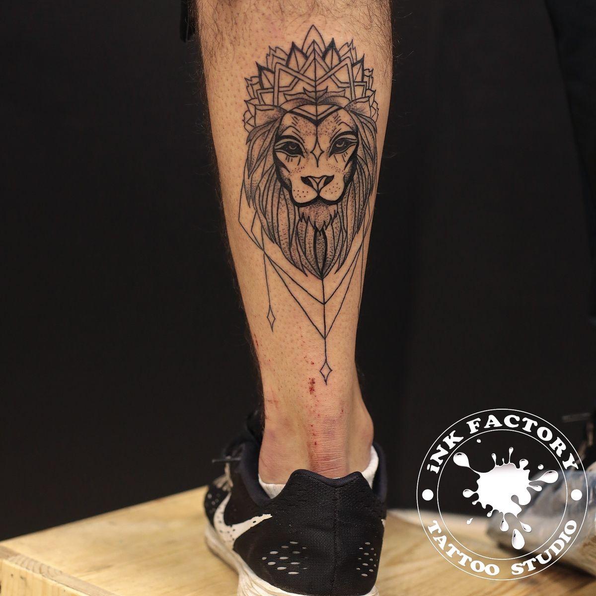 Парная татуировка львы
