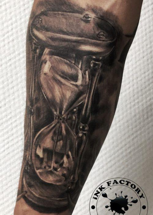 фото тату песочные часы