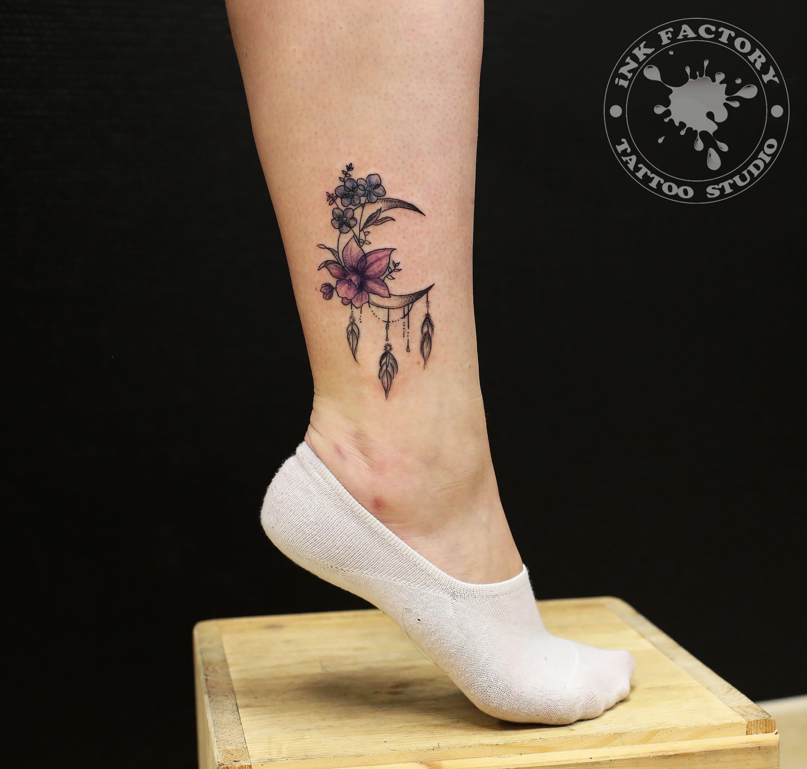 Полумесяц с цветами - сделано в InkFactory