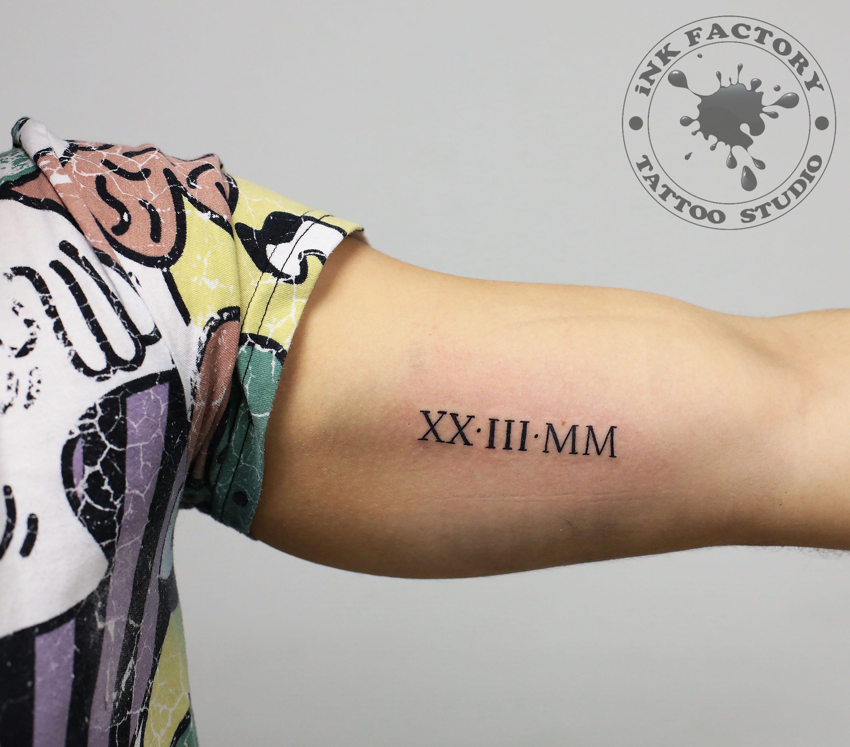 фото тату Татуировка руны выбитые в камне 644