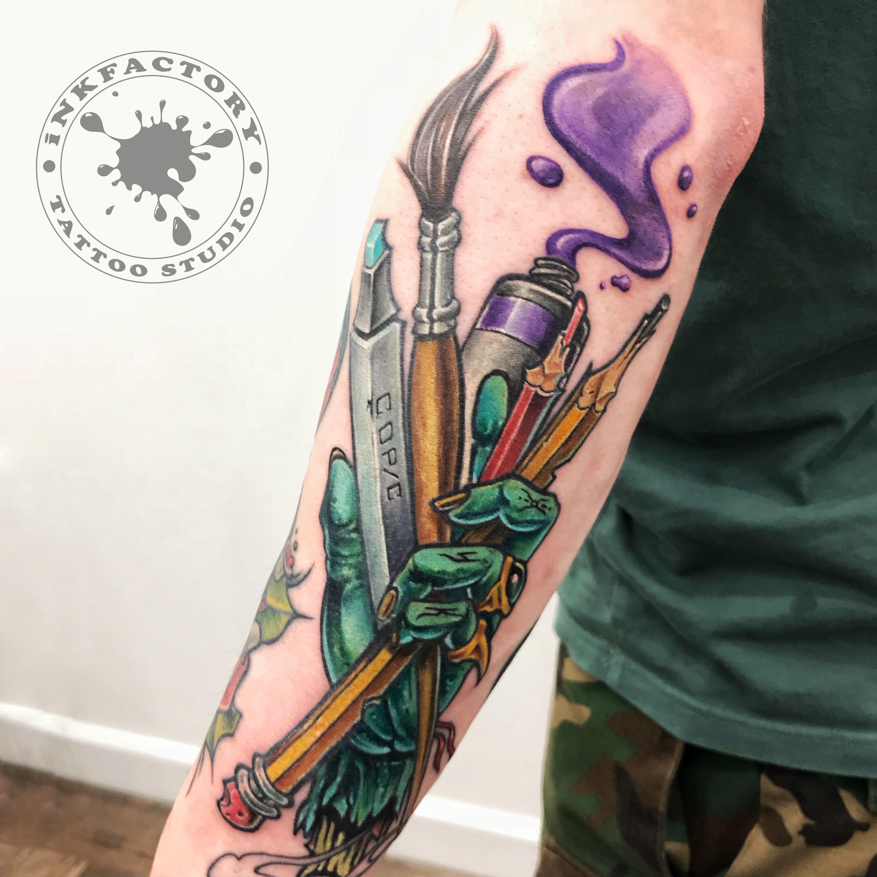 Рука зомби - сделано в InkFactory