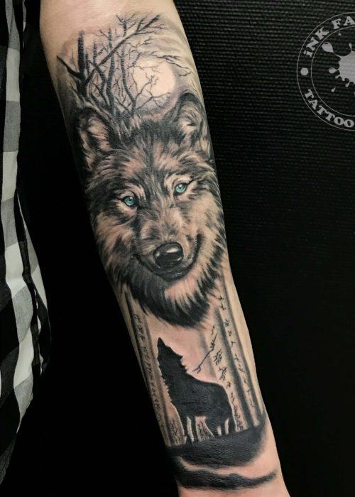 фото тату Волк в лесу