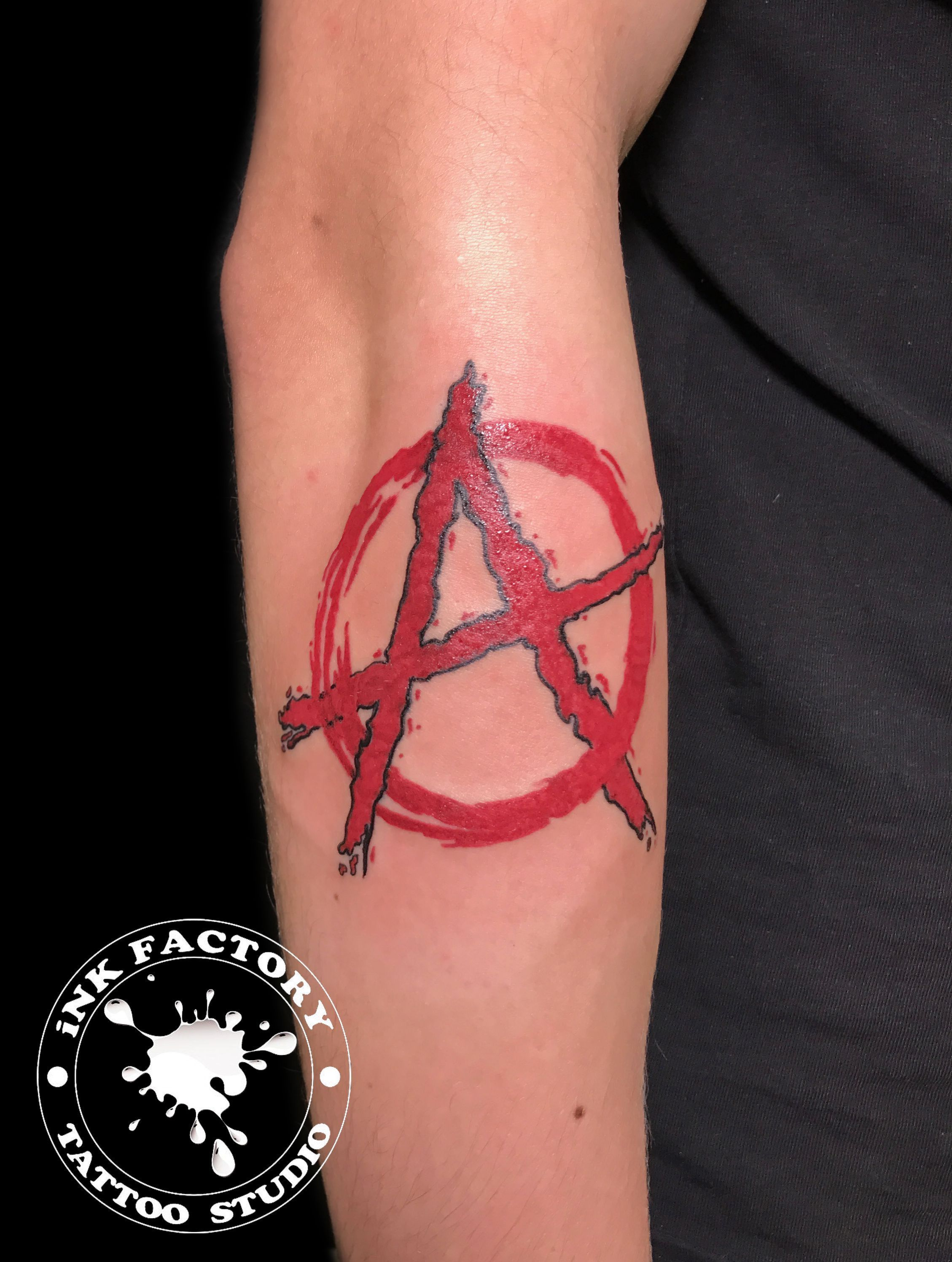 Знак анархии